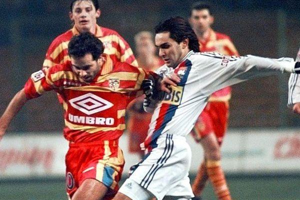 Stéphane Ziani sous le maillot Umbro du RC Lens en 1998.