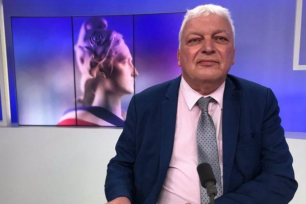Le maire sortant (LREM) de Nogent-sur-Oise Jean-François Dardenne est réélu pour un troisième mandat.