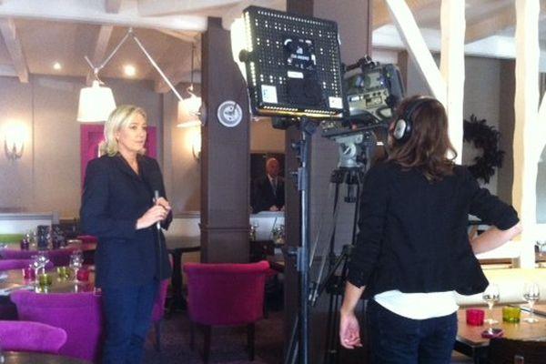 Marine Le Pen en direct sur France 3 Bretagne