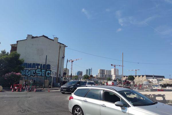 La fusillade s'est déroulée à l'angle de la rue de Lyon et de l'avenue Cap Pinède dans le 15e arrondissement de Marseille.