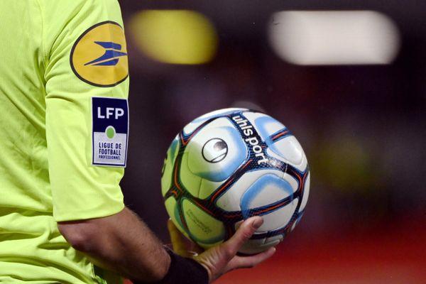 Premier match  de Ligue 2 de la saison 2021/2022 : le samedi 24 juillet