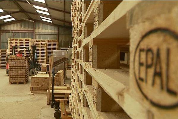 Les palettes, la société 3B en fabrique 2,1 millions sur ses deux sites de production
