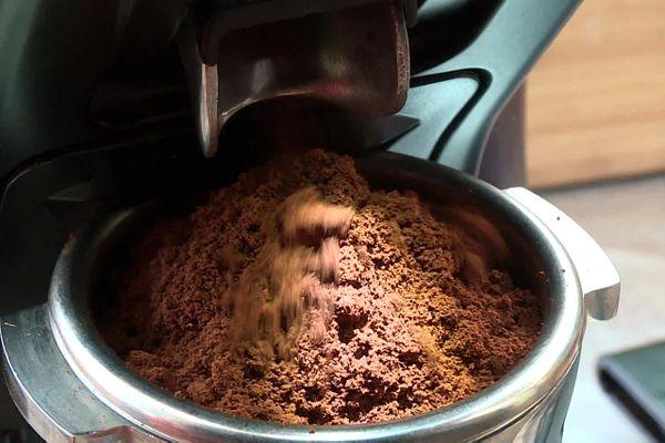A Marseille, Margaux Sachy s'est lancé dans la torréfaction de café de spécialité, durable et équitable.