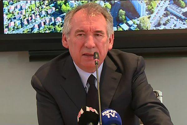 François Bayrou en conférence de presse, dimanche 20 mai, à Pau.