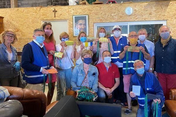 Des bénévoles baulois se sont retrouvés pour distribuer des masques confectionnés par d'autres bénévoles à destination des personnes nécessiteuses