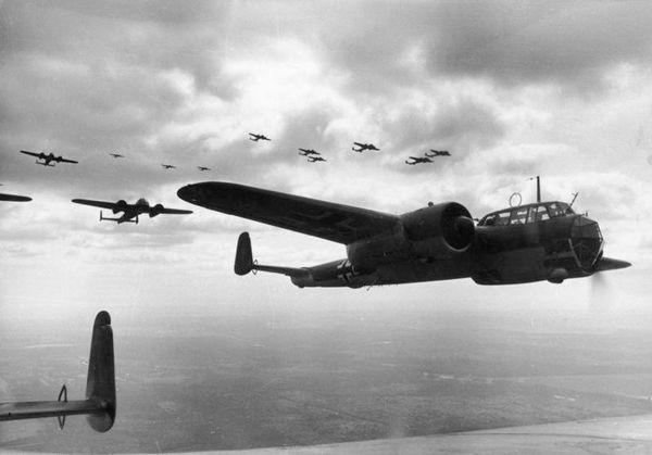 Des Dornier Do 17 au-dessus de la France en juin 1940.