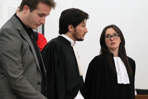 L'avocat Paul Sollacaro (au centre), en compagnie de sa sœur Anna Maria Sollacaro, en 2014.