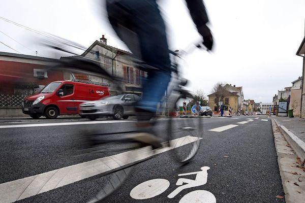 """""""Peut mieux faire"""" : c'est l'appréciation que donne l'association 2 pieds 2 roues au maire de Toulouse."""