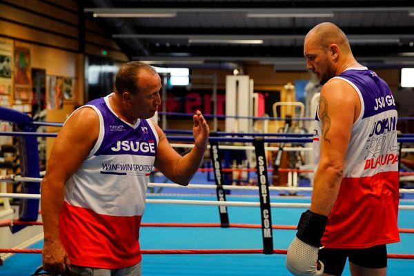 Johann Duhaupas à l'entraînement à Uzès dans le Gard en 2020 avant son combat contre Tony Yoka.