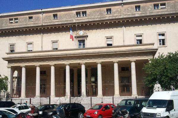 Le procès se déroule dans l'ancien palais