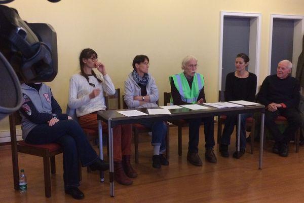 Les grévistes de la faim ont organisé une conférence de presse le 20 novembre à Bischheim