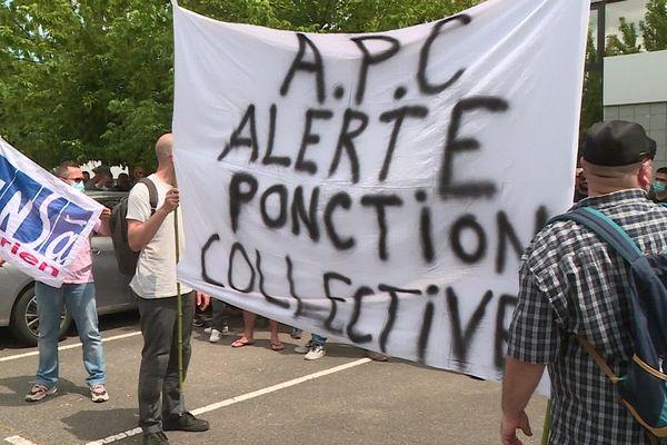 Première manifestation des salariés de Derichebourg, mardi 2 juin 2020.