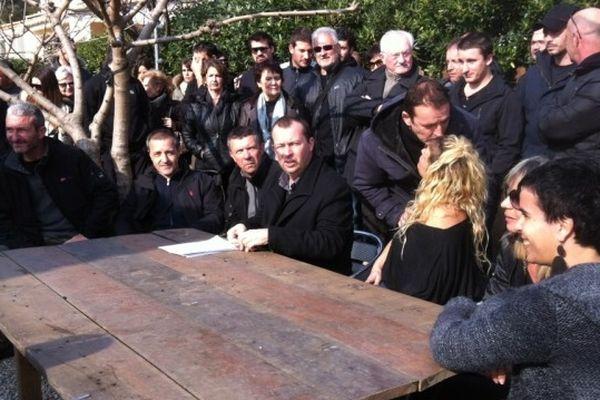 Une cinquantaine de personnes, amis et proches de Christophe Pieri se sont réunis lundi 18 février dans le Fiumorbu.