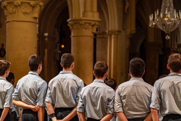"""La conférence des évêques se réunira le 9 novembre à Lourdes pour décider des modalités d'""""allocation"""" des victimes de prêtres pédophiles"""