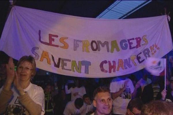 Un millier de fans à Mamirolle, dans le Doubs, pour fêter la victoire de Lilian Renaud