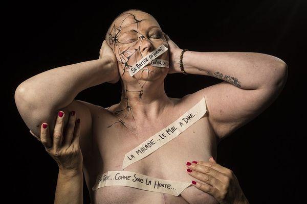 Huit femmes malades d'un cancer du sein ou en rémission ont accepté de participer au clip de Manon Darras sur la maladie