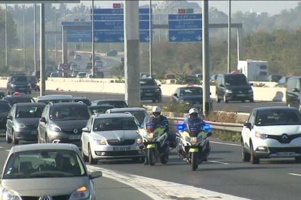 Un gendarme est décédé après avoir été percuté sur l'autoroute A1, à Gonesse, dans le Val-d'Oise.
