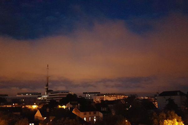Ciel à Rennes pendant l'éclipse du 27 juillet 2018