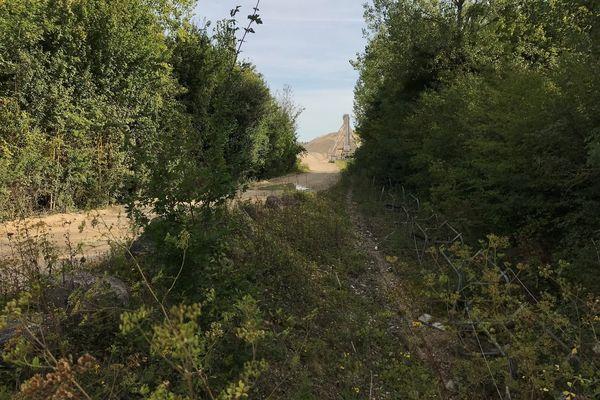 Les sites d'extraction de terre sont situés dans les communes limitrophes.