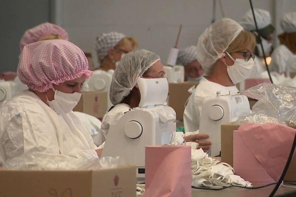 A Belfort, 200 couturières ont travaillé ce printemps pour fabriquer des masques en tissu homologués.