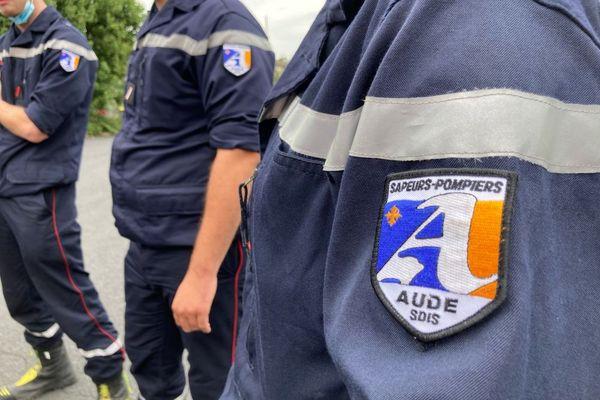 Les pompiers corréziens ont échangé leur écusson avec leurs homologues de l'Aude pour avoir combattu ensemble les flammes sur un feu terrifiant entre Narbonne et Carcassonne en juillet 2021