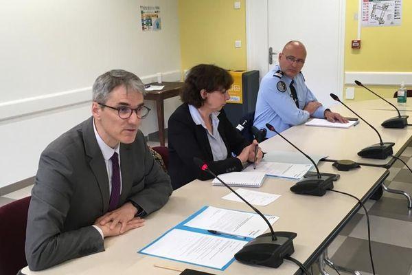 La conférence de presse de Chantal Mauchet, Préfète de l'Ariège et du Procureur Laurent Dumaine