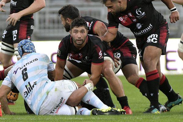 Colby Faingaa (LOU) au cours du match entre le LOU Rugby (en noir et rouge) et le Racing 92 (en blanc et bleu) au Matmut Stadium de Gerland, à Lyon, le 5 septembre 2020.