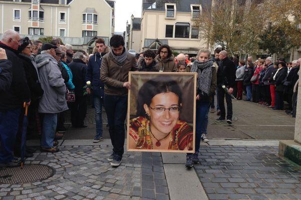 3.000 personnes ont rendu hommage à Estelle dans les rues de Concarneau (29)