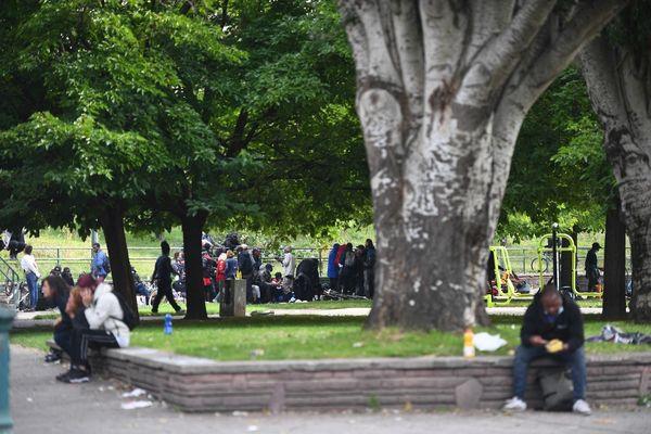 Les consommateurs de crack ont été regroupés porte de la Villette à Paris, hier le vendredi 24 septembre.
