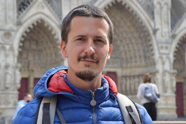 Yann Messence est parti pour un tour de France des cathédrales.