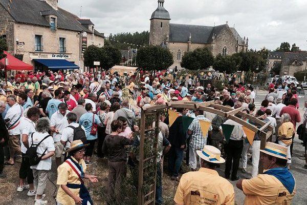 Le Quiou dans les Côtes d'Armor accueille ce week end la fête annuelle de l'association des communes aux noms burlesques, pittoresques et chantants