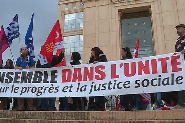 Montpellier - manifestation des agents des lycées d'Occitanie devant l'ancien hôtel de région - 23 novembre 2017.