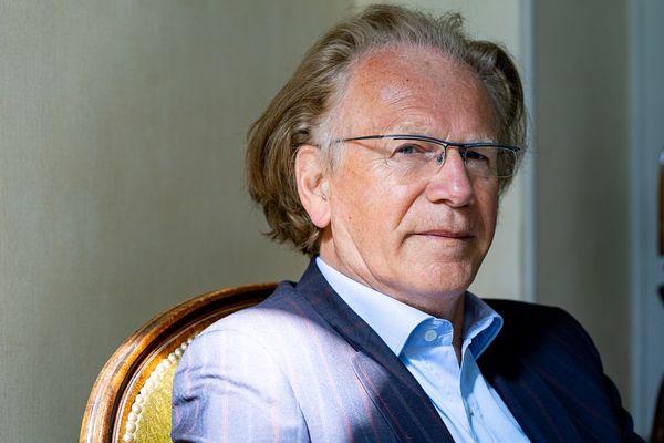 Thierry Delcourt, psychiatre à Reims, dans son cabinet du centre-ville rémois, le 27 avril 2021.