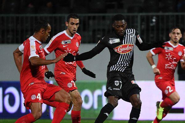 Karl Toko Ekambi, auteur de 9 buts pour le SCO cette saison, ne s'est pas montré décisif face aux Montpelliérains, mercredi 10 janvier.