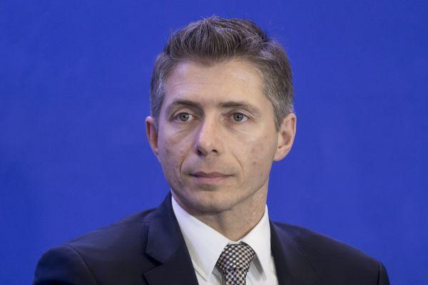 Gil Avérous a porté plainte pour diffamation.