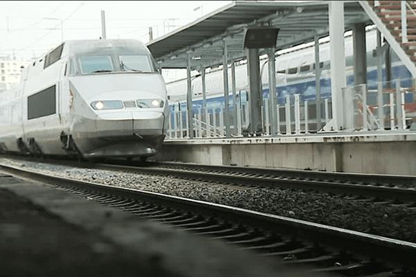 Un TGV en gare de Rennes