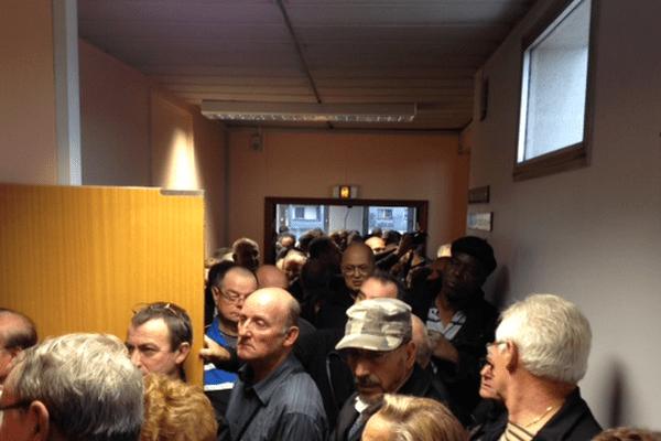 La salle des Prud'hommes de Beauvais est trop petite pour accueillir tous les ex-salariés de Bosch