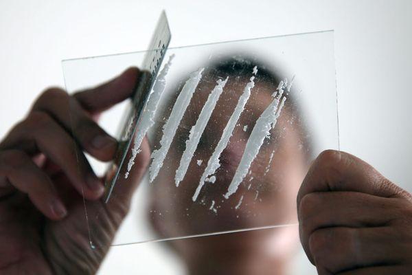 Illustration - D'abord consommateur, un professeur de l'Education nationale doublait son salaire en vendant de la cocaïne à Marseille.