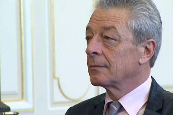 Le nouveau maire PS de Dijon Alain Millot a été élu président du Grand Dijon jeudi 17 avril 2014.