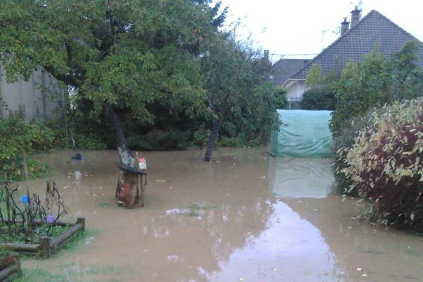 jardin inondé à Pont-de-Briques