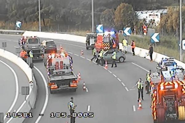 Deux véhicules sont entrés en collision au niveau de Saint-Laurent-du-Var, l'accident fait trois bléssés, dont un grave.