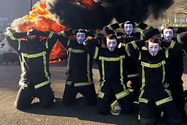Les sapeurs-pompiers du Calvados sont en grève ce mardi 11 décembre.
