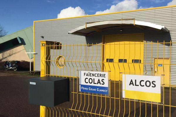 La faïencerie Colas a investi au mois de mai 2019 ces nouveaux locaux, à Coulanges-sur-Yonne (89).