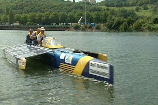 Eolios, l'un des deux bateaux solaires de l'association