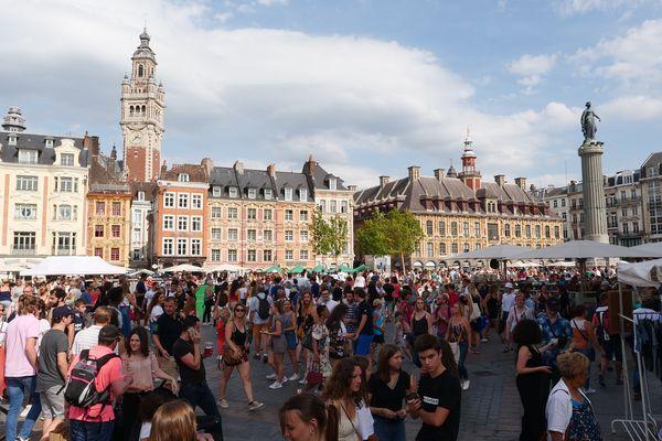 La braderie des commerçants locaux aura lieu du vendredi 3 au dimanche 5 septembre 2021 dans les rues piétonnes du périmètre du Centre-Ville, du Vieux-Lille et de la rue Gambetta.