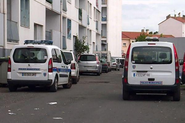 Perpignan - la police municipale intervient dans le quartier du Vernet - janvier 2021.