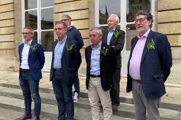 Le comité de soutien du club des Girondins de Bordeaux créé en prévision de la vente, samedi 1er mai 2021, à l'Hôtel de ville de Bordeaux.
