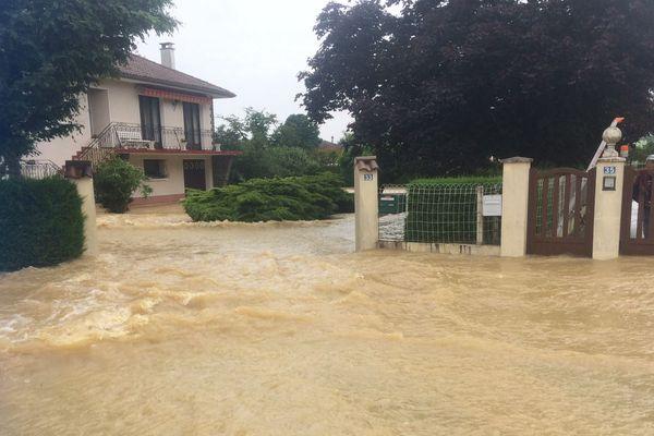 Quartier Camous à Mourenx, notre journaliste François Busson sur place