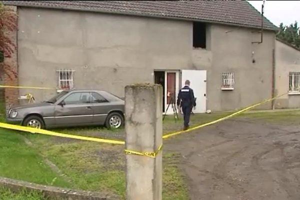 Broué (Eure-et-Loir) : habitation et lieu de la fusillade qui a opposé deux individus aux gendarmes le 23 mai au soir.