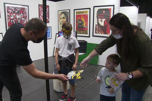 Au salon d'art contemporain, 70 artistes ont exposés à la vente leurs oeuvres.